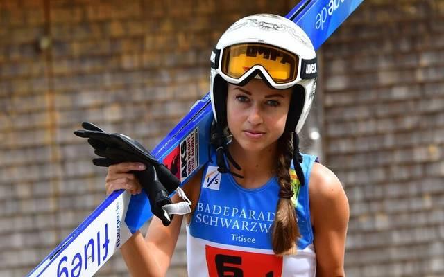 Skispringerin Juliane Seyfarth ziert die Titelseite des neuen Playboy