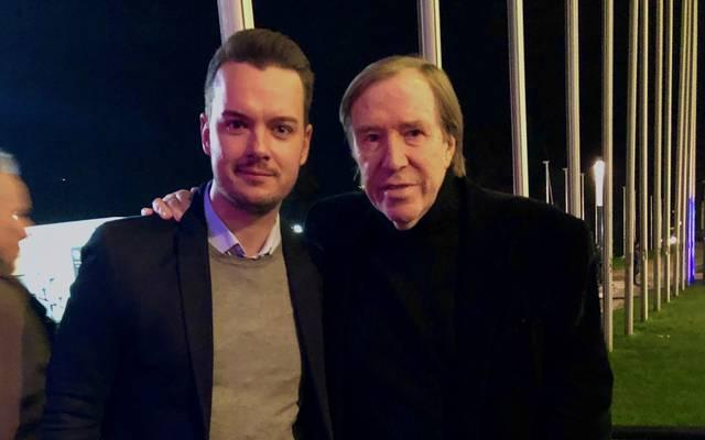 SPORT1-Chefreporter Digital, Florian Plettenberg, traf Günter Netzer am Rande des Länderspiels gegen Nordirland in der Volkswagen Lounge