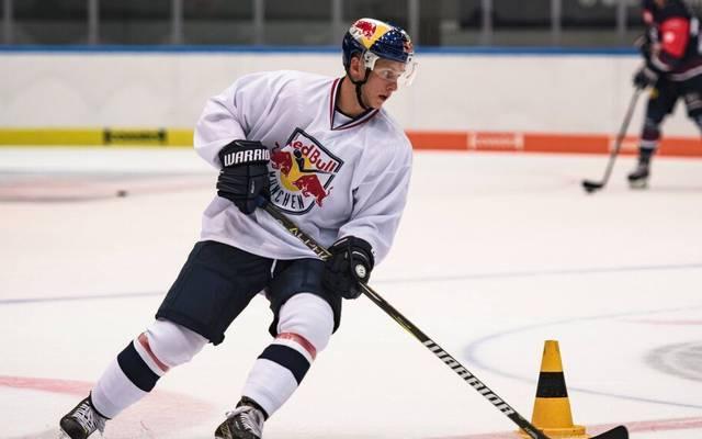 Dominik Kahun wird nochmal das Trikot von Red Bull München tragen