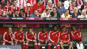 MUNICH, GERMANY - AUGUST 29:  (L-R) Arjen Robben, Andreas Ottl, Miroslav Klose, Edson Braafheid, Breno, Franck Ribery and goalkeeper Michael Rensing of Bayern sit on the bench and watch the Bundesliga match between FC Bayern Muenchen and VfL Wolfsburg at Allianz Arena on August 29, 2009 in Munich, Germany.  (Photo by Bongarts/Getty Images)
