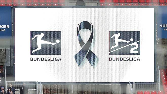 Logos der Bundesliga und der 2. Bundesliga mit Trauerflor