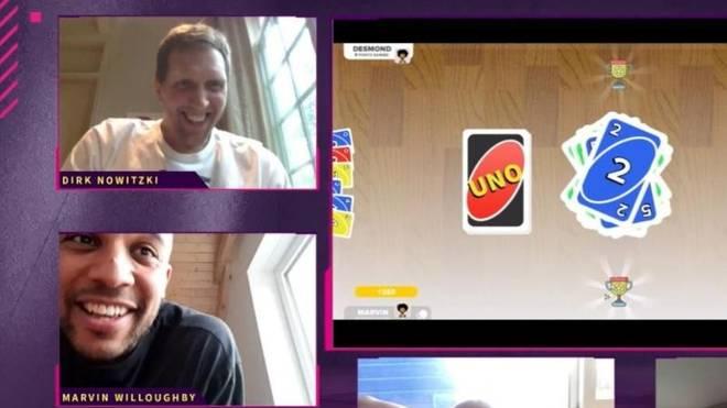 Dirk Nowitzki spielt mit seinen ehemaligen Teamkollegen Uno