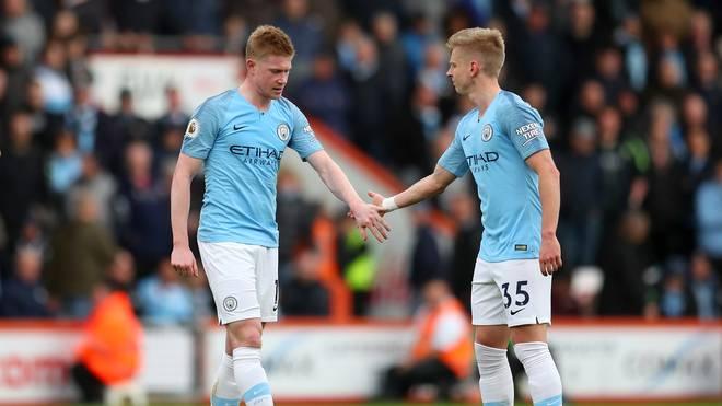 Kevin De Bruyne (l.) wird Manchester City auf unbestimmte Zeit fehlen