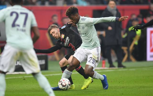 Mitchell Weiser im Duell mit Bayerns Kingsley Coman