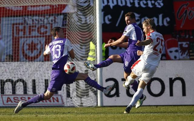 Der VfL Osnabrück hat sich gegen den Hallescher SC durchgesetzt