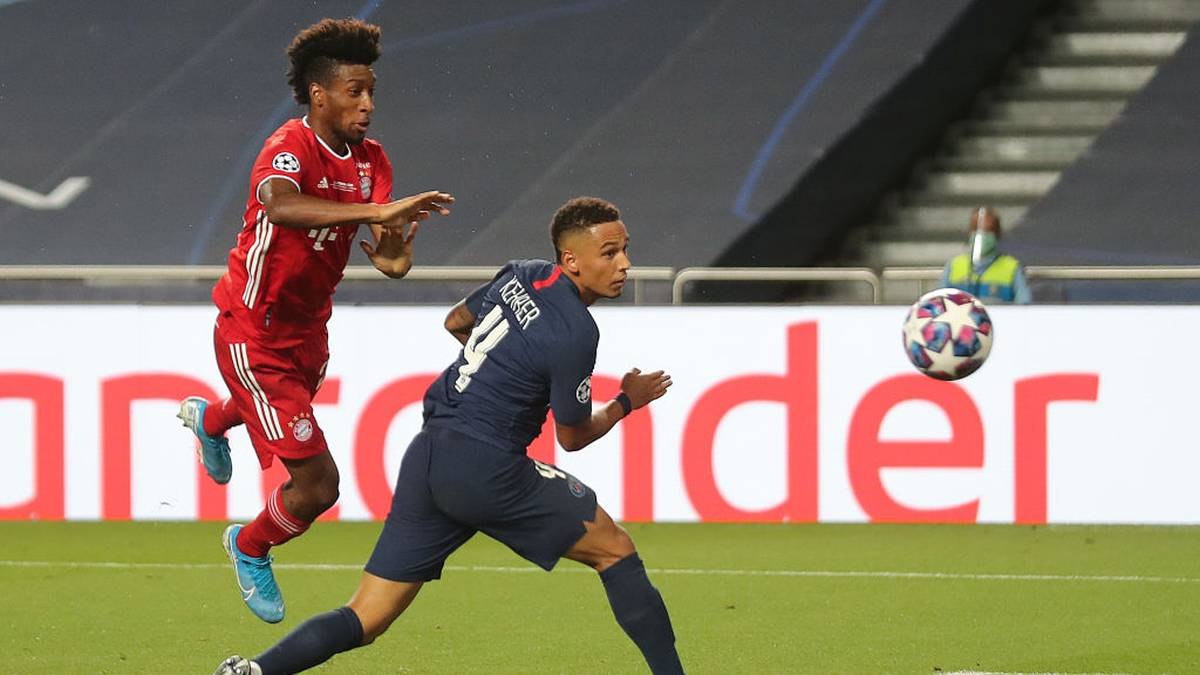 Thilo Kehrer (r.) von Paris Saint-Germain konnte seinem Gegenspieler Kingsley Coman oft nur hinterhergucken