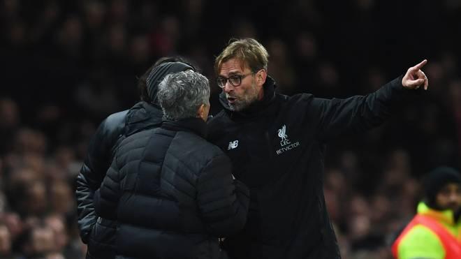Jürgen Klopp steht mit dem FC Liverpool am Samstag gegen Jose Mourinhos Manchester United unter Druck