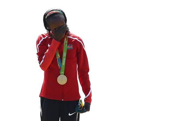 Hier freut sich Jemima Sumgong noch über ihren Olympiasieg in Rio 2016