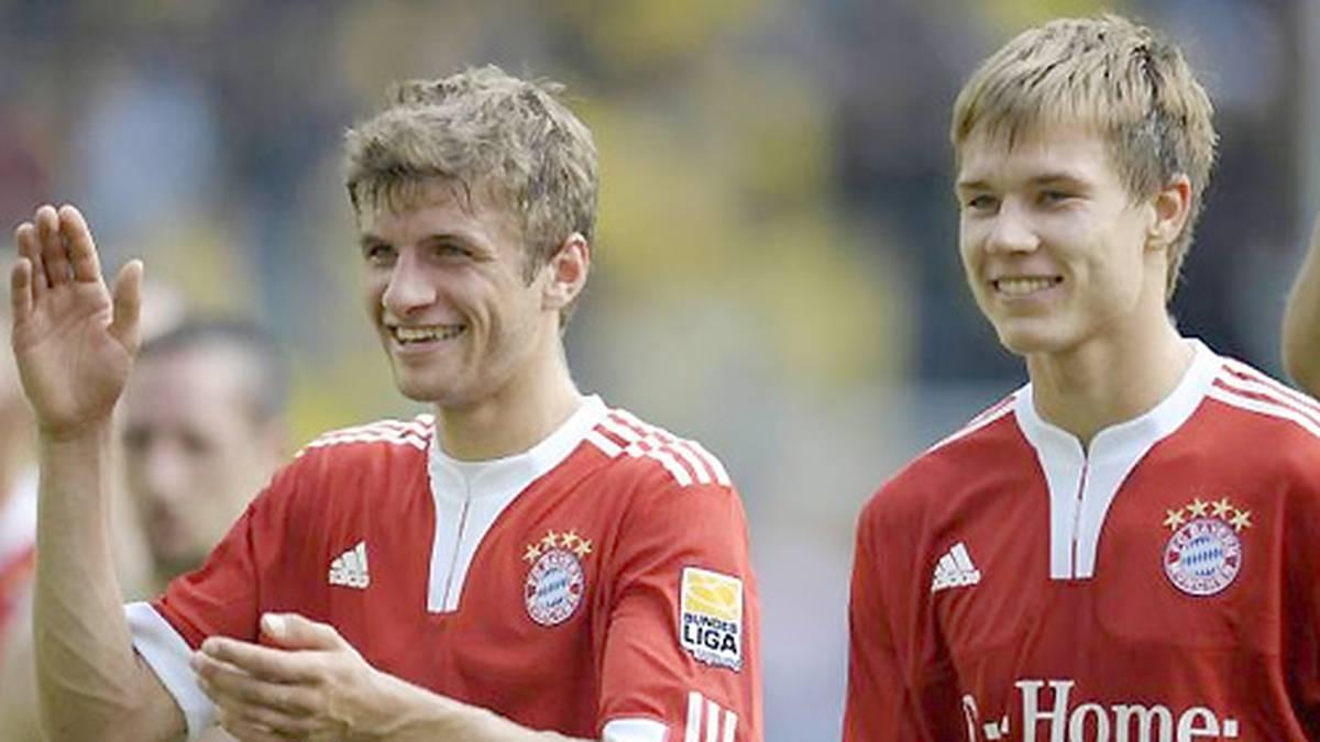 Sein Geld verdient Müller (l.) beim FC Bayern. Bereits im zarten Alter von elf Jahren wechselt er vom TSV Pähl zu den Münchnern, seit 2009 ist er Profi. Sein Bundesliga-Debüt gibt der inzwischen 25-Jährige aber bereits am 15. August 2008 beim 2:2 gegen den Hamburger SV - damals noch unter Trainer Jürgen Klinsmann