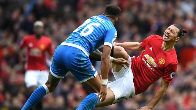 Tyrone Mings und Zlatan Ibrahimovic lieferten sich ein hässliches Duell in der Premier League