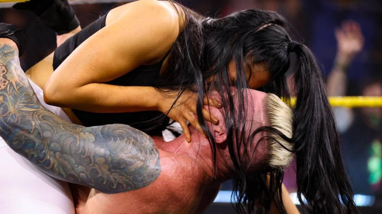 Indi Hartwell und Dexter Lumis fanden bei WWE NXT zueinander