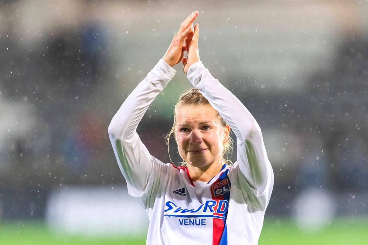 Die lange Leidenszeit ist endlich vorbei. Ada Hegerberg gibt für Lyon in der Champions League ihr Comeback. Die Fußballerinnen der TSG Hoffenheim feiern ein gelungenes Debüt.