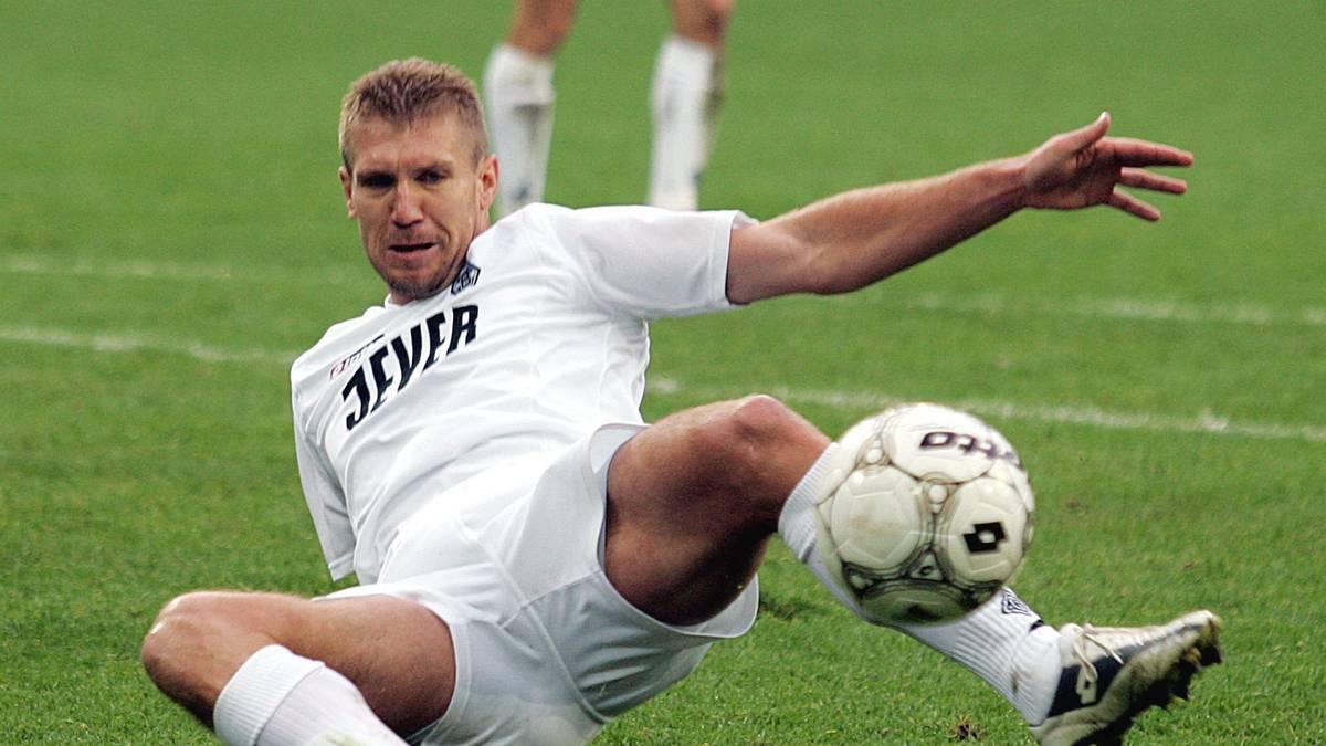 Fussball: 1. BL 04/05, Borussia Moenchengladbach-FC Bayern Muenchen