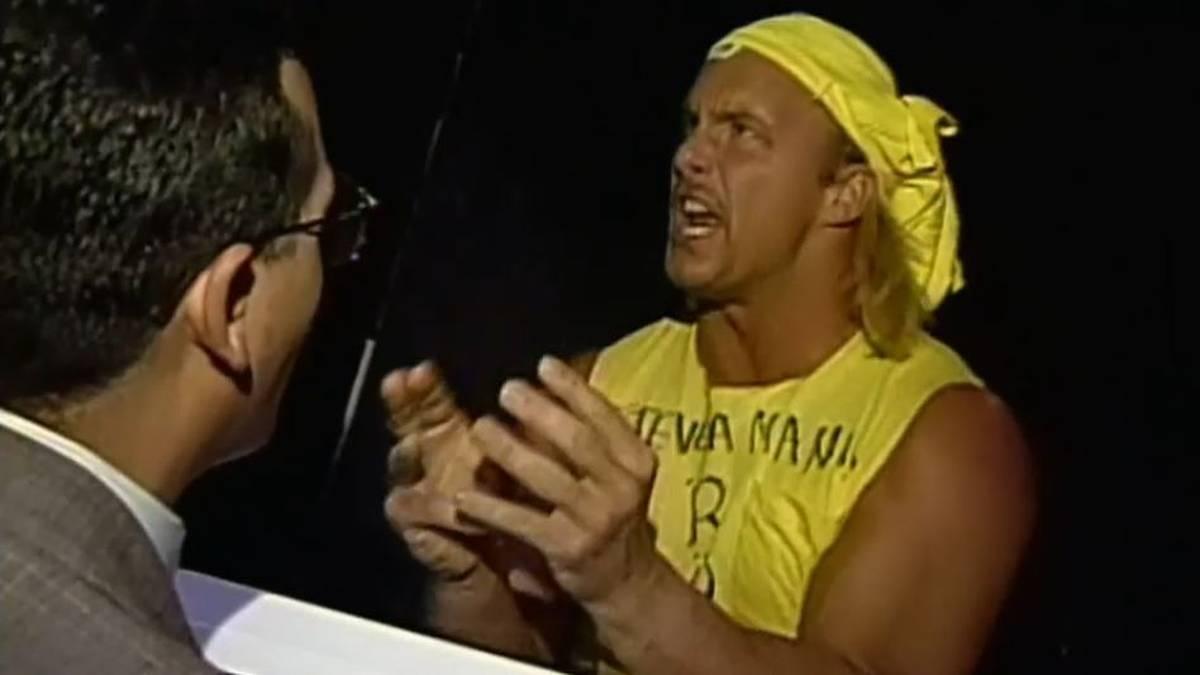 Steve Austin parodierte bei ECW seinen Kritiker Hulk Hogan