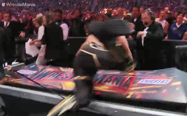 Brock Lesnar warf bei WWE WrestleMania 35 Seth Rollins auf Carsten Schaefer