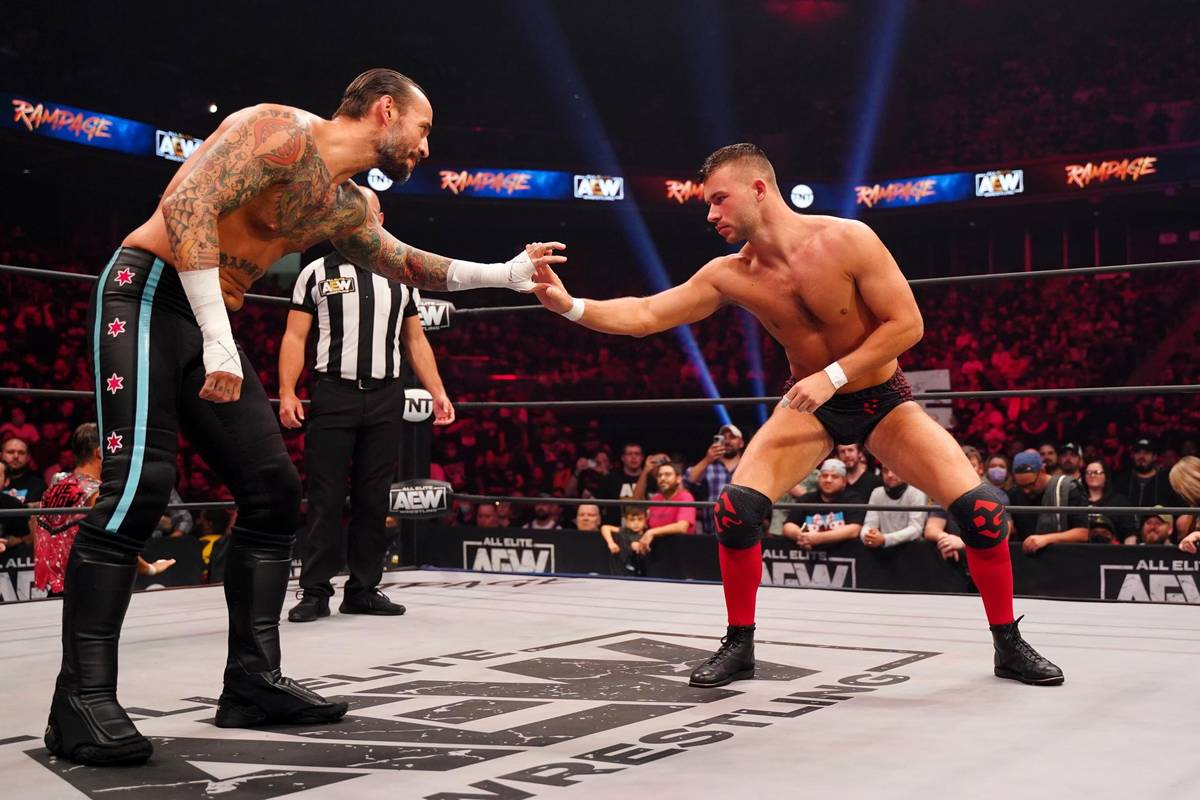 Die Topstars Bryan Danielson und CM Punk haben ihn als Mega-Talent ausgemacht - nun hat WWE-Konkurrent AEW Daniel Garcia fest verpflichtet.
