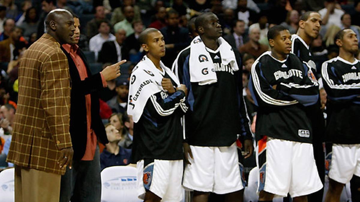 Im gleichen Jahr wird er Miteigentümer der Charlotte Bobcats in seinem Heimatstaat North Carolina. Das Pech bei Personalentscheidungen bleibt ihm treu. Auch seine Rolle als Hardliner während des Lockouts 2011 stößt auf viel Kritik. Schließlich war er jahrelang der bestbezahlte NBA-Profi mit 30 Millionen Dollar Jahresgehalt.