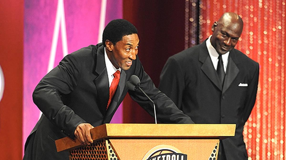2009 wird Jordan beim ersten Versuch in die Hall-of-Fame aufgenommen. Seine Rede sorgt noch einmal für großes Aufsehen.