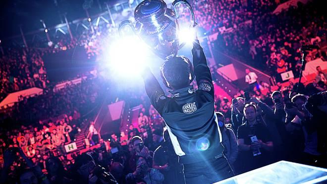 eSports-Profi: Die 0,1 Prozent - wenn Gaming zum Beruf wird