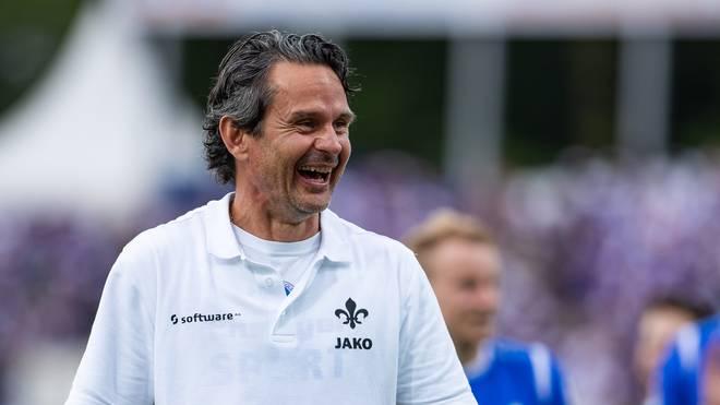 2. Bundesliga mit Hamburger SV,  LIVE im TV, Stream & Ticker, Darmstadt-Trainer Dirk Schuster liegt mit 98 in der Spitzengruppe der 2. Liga