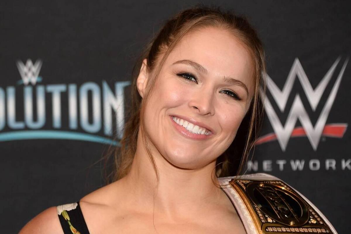Kampfsport-Queen Ronda Rousey und ihr Mann Travis Browne begrüßen ihr erstes gemeinsames Kind. Folgt nun bald Rouseys Comeback bei WWE?