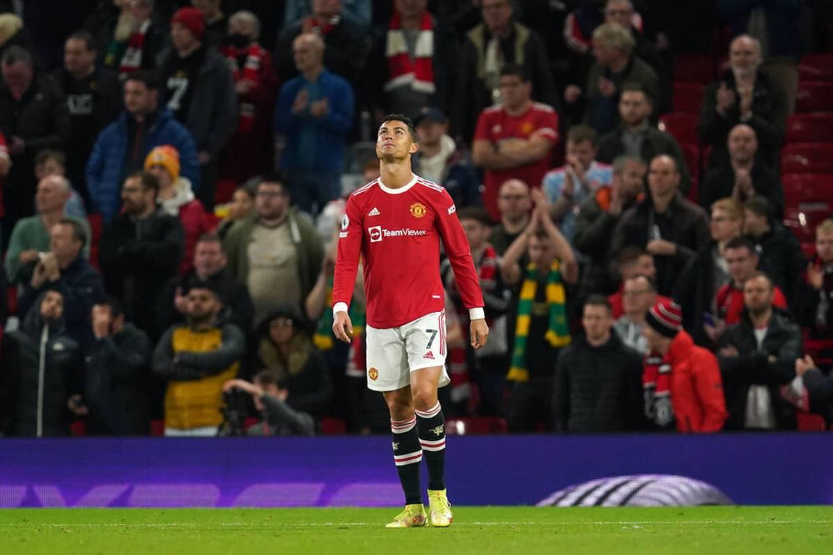 Cristiano Ronaldo lässt in einer Aktion seinem Frust freien Lauf. Er darf aber weiterspielen.