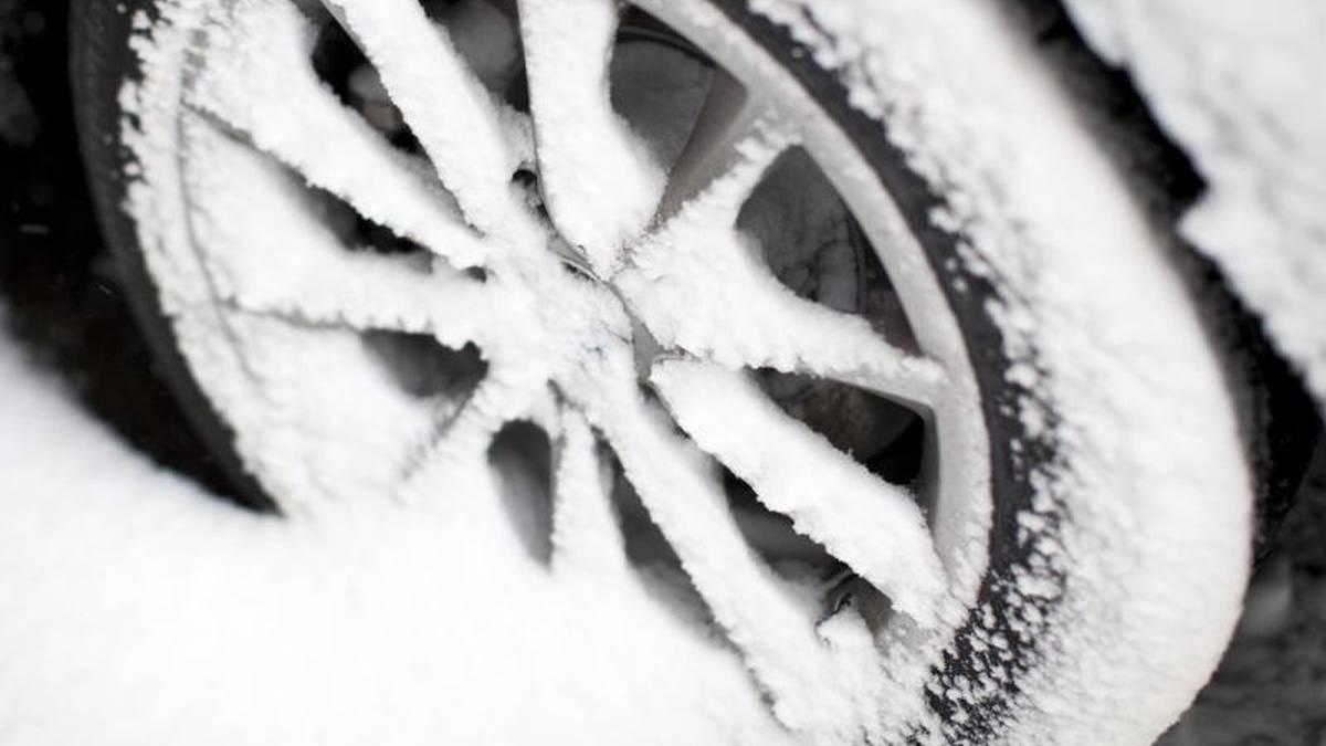 Welche Auto-Ausrüstung im Winter Pflicht ist