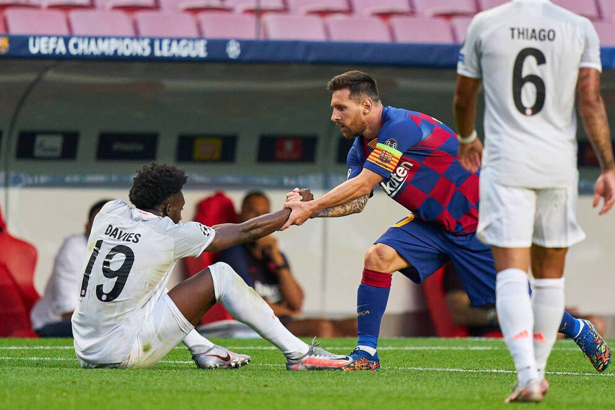 Alphonso Davies ist zwar mittlerweile selbst ein Weltstar, trotzdem schaut er nach wie vor zu Lionel Messi auf. Einen besonderen Moment hat er für die Ewigkeit festgehalten.