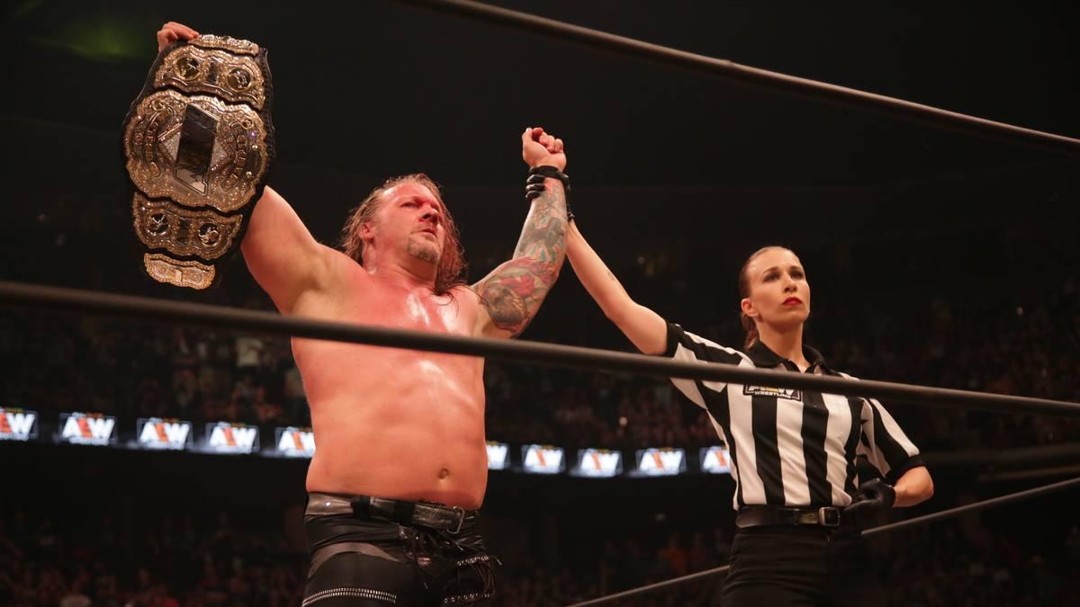 Chris Jericho kürte sich bei All Out zum ersten World Champion von AEW