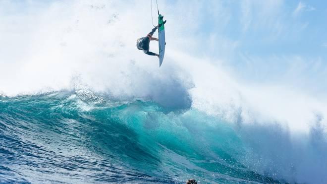How to Surf Tricks – Vom Bottom Turn zum Air Reverse