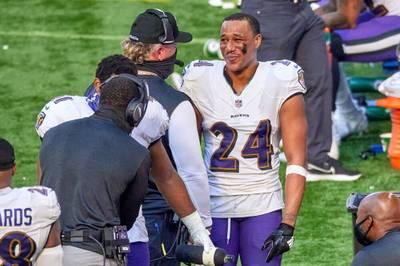 Die Baltimore Ravens werden von einer unfassbaren Verletzungsmisere geplagt. Im Training reißen sich zwei Leistungsträger innerhalb weniger Spielzüge das Kreuzband.
