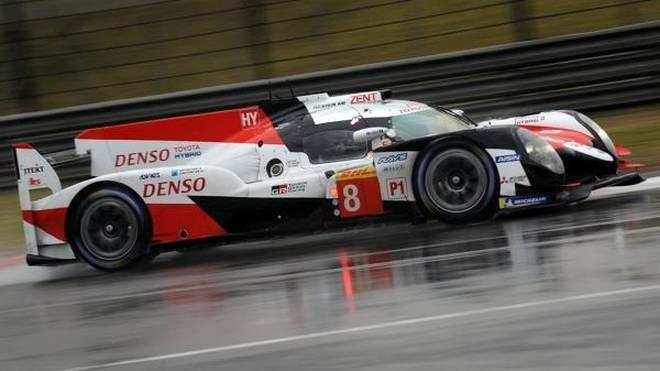 Toyota meldete sich im zweiten Freien Training mit Doppelbestzeit zurück