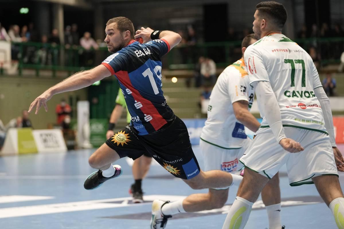 Die Partie in der Handball-Bundesliga zwischen dem Bergischen HC und HSG Wetzlar ist von einem medizinischen Notfall in der Halle überschattet worden.