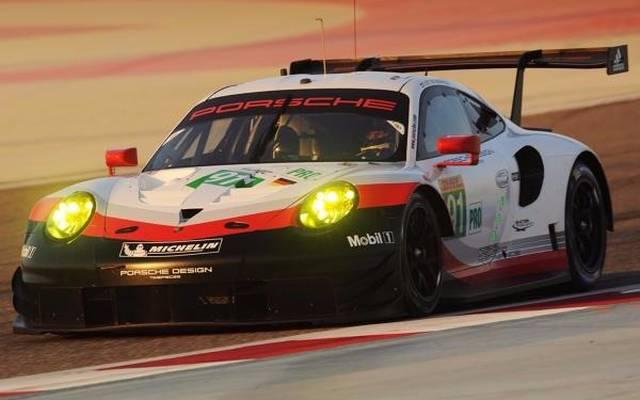 Das nervt: Der Porsche 911 RSR zickt in Bahrain und ist nicht schnell