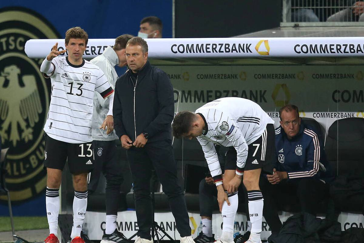 Thomas Müller erklärt nach der erfolgreichen WM-Qualifikation, was sich unter Bundestrainer Hansi Flick gebessert hat. Dabei nennt er einen speziellen Punkt.