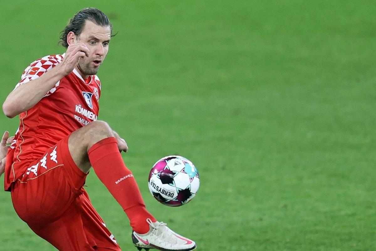 Stürmer Adam Szalai fehlt dem FSV Mainz 05 in den nächsten Wochen. Eine Meniskusverletzung macht einen Eingriff nötig.