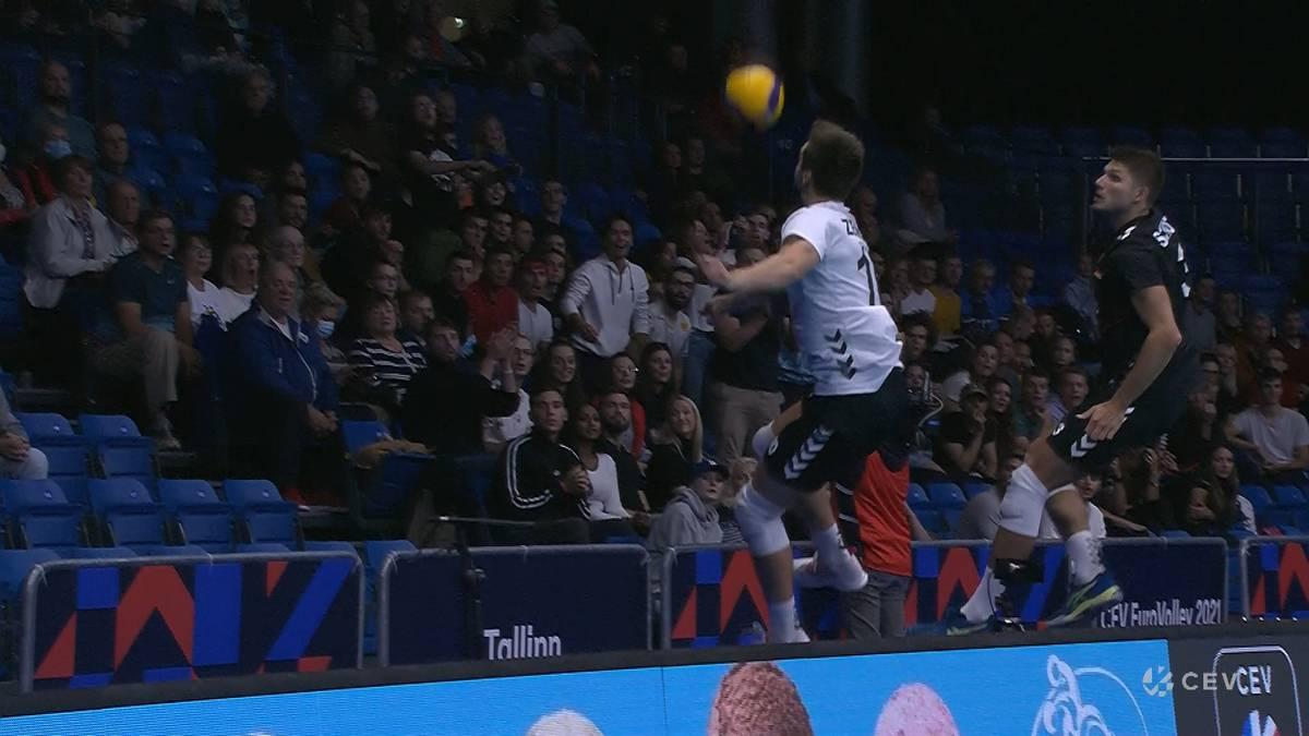 Die deutschen Volleyballer kämpfen gegen Olympiaseiger Frankreich bei der EM um jeden Punkt. Am Ende muss sich Deutschland trotzdem geschlagen geben.