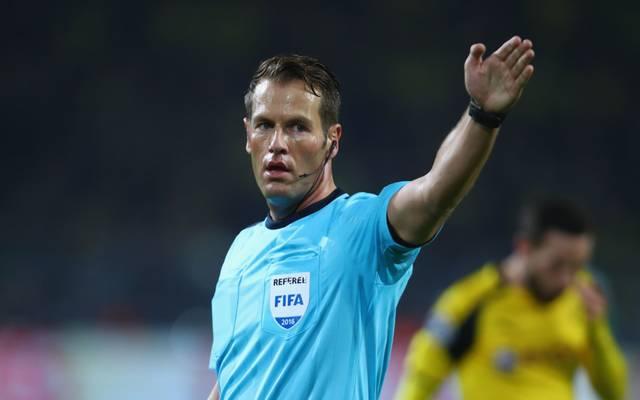 Danny Makkelie pfeift das WM-Quali Spiel der deutschen Nationalmannschaft gegen Nordirland