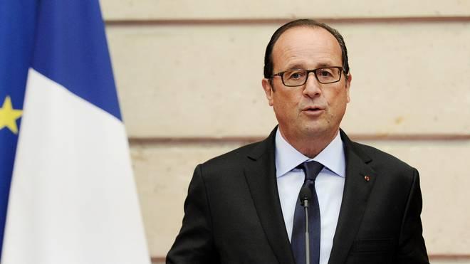 FRANCE-POLITICS-Francois Hollande ruft nach den Anschlägen von Paris den Ausnahmezustand aus-EURO-2016