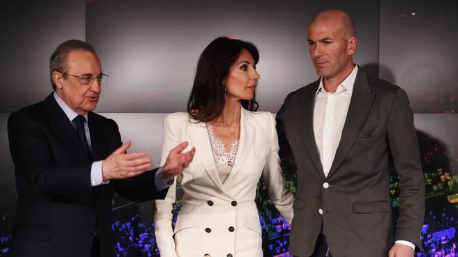 Florentino Perez mit Zinedine Zidane und dessen Ehefrau Veronique
