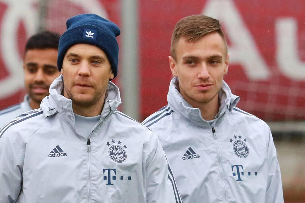 Hinter Manuel Neuer wird es nach dem Ausfall von Sven Ulreich eng. Der Keeper bleibt aber ruhig.