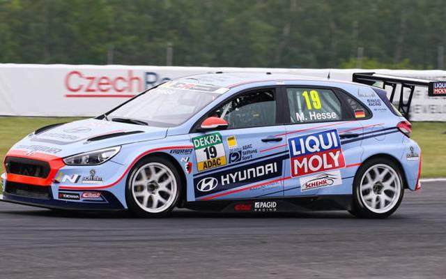Der 18-jährige Hyundai-Fahrer Max Hesse hat seinen ersten TCR-Sieg in der Tasche