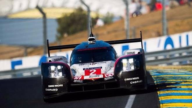 Timo Bernhard, Brendon Hartley und Earl Bamber siegten 2017 in Le Mans