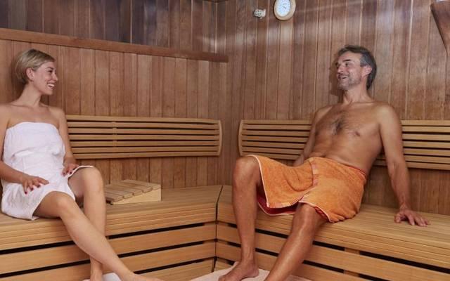 Schwitzen statt strampeln: Langfristig wirken regelmäßige Saunabesuche ähnlich positiv wie moderater Sport