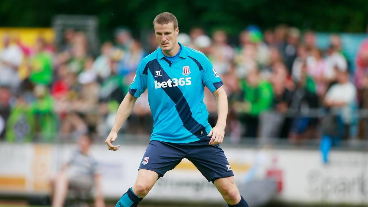 Robert Huth für Stoke City am Ball