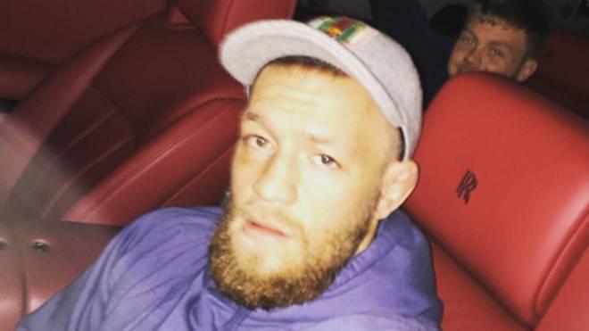 Conor McGregor cruiste nach seiner Niederlage cool im Rolls Royce