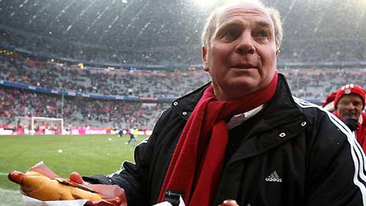 ULI HOENESS: Ein besseres Vorbild könnte Neuer als Manager nicht haben. Hoeneß formte nach seinem früh erzwungenem Karriere-Ende drei Jahrzehnte lang die Erfolgsgeschichte des FC Bayern, ehe er 2009 ins Präsidentenamt wechselte. Nebenbei auch als Wurstwaren-Unternehmer eine Institution