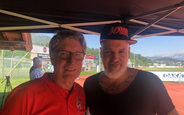 SPORT1-Reporter Reinhard Franke (r.) traf Toni Schumacher im Trainingslager des 1. FC Köln in Kitzbühel