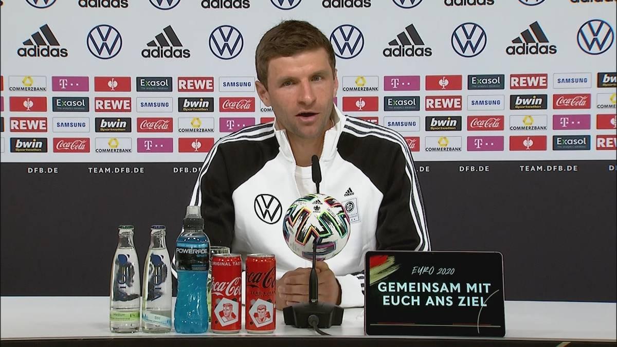 Erste DFB-Pressekonferenz für Thomas Müller nach seiner Rückkehr zur Nationalmannschaft. Der FCB-Profi verrät, wie er die Auszeit wahrnahm.