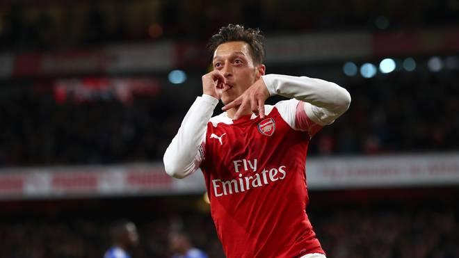 Arsenal FC v Leicester City - Premier League Mesut Özil ist seit 2013 bei den Gunners unter Vertrag